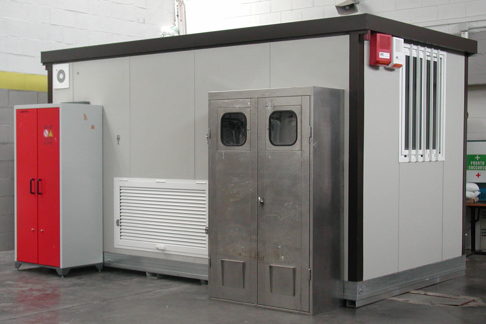 realizzazione laboratorio chimico mobile