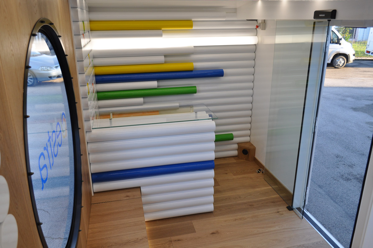 showroom itinerante CVS interni