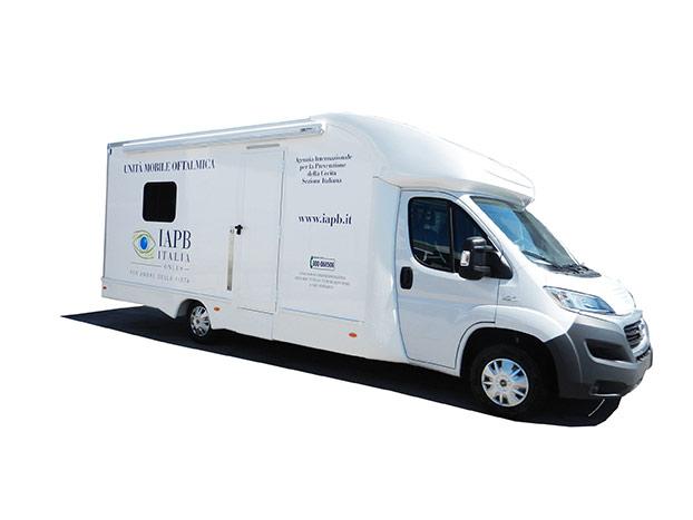 cvs-realizzazione-ambulatorio-mobile-medicale-oftalmico-esterni-